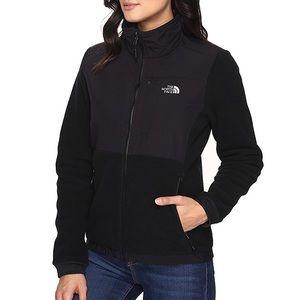 The North Face Solid Black Denali Fleece Jacket
